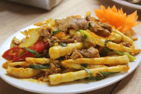 Bò xào măng trúc đậm đà đổi vị cho bữa cơm gia đình